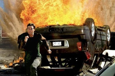 Funny,Entertainment,movie explosions,fake vs real,explosives expert,movie bloopers,