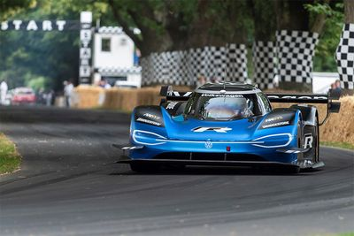 Automotive,Volkswagen ID.R,Goodwood Hillclimb,Festival Of Speed,record,electric,Romain Dumas,news,