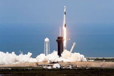 News,gulf of mexico,endeavour,dragon,astronauts bob and doug,astronauts landed,nasa,elon musk,spacex,
